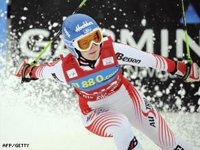 Zettel again underlined her quality in giant slalom with victory in Germany.