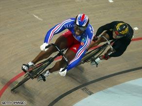 Bauge battles off Awang in the deciding race in the sprint final.