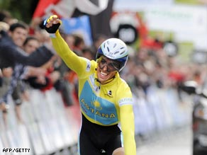 Contador celebrates his victory in the closing time trial in Zalla.