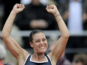 Pennetta put Italy ahead with a comprehensive win over Chakvetadze.