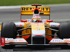 Fernando Alonso racing for Renault F1