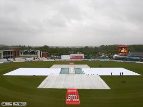 Bad weather washed out the whole of the second day at Durham with England in control on 302-2.