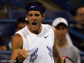 Federer was made to fight by old rival Andy Roddick before reaching the last four stage in Madrid.