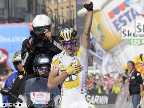 Siutsou crosses the line first to secure victory on Saturday's eighth stage of the Giro d'Italia.