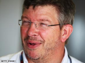 Ross Brawn wants a compromise to be reached in F1 budget gap row.