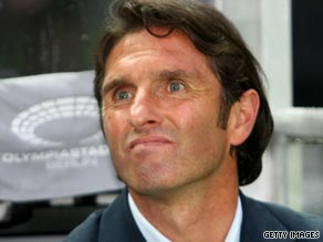 Bruno Labbadia has signed a three-year deal as Hamburg coach after impressing at Bayer Leverkusen.