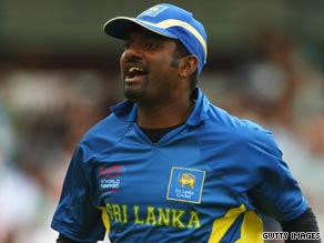 Two key wickets from Murali Muralitharan proved decisive in Sri Lanka's victory.