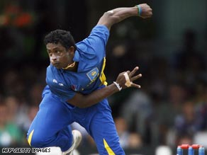 Mendis swung the balance Sri Lanka's way with three wickets as his unbeaten side made the Twenty20 semis.