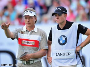 Bernhard Langer, with his son Stefan, right, at the 18th hole of the BMW International on Saturday.