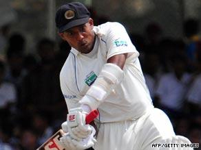 Samaraweera struck a superb 159 to give Sri Lanka the upper hand against New Zealand.