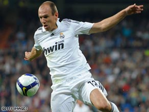 Dutch winger Arjen Robben scored a superb solo goal as Real Madrid beat Villarreal 1-0.