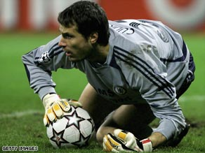 Carlo Cudicini plans to relaunch his Premier League career at Spurs after a spell in the Chelsea shadows.