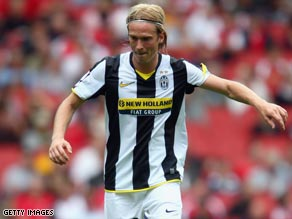 Christian Poulsen proved the match-winner to keep Juve's slim hopes of Serie A title glory alive.