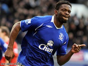 Saha celebrates the goal that sent Everton into an FA Cup semifinal against former club Man United.