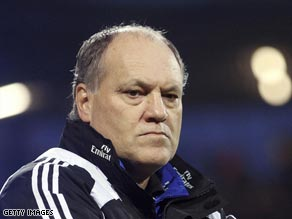 Hamburg boss Martin Jol will lock horns with English opposition again.