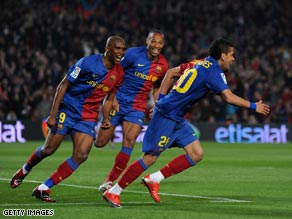 Daniel Alves is chased by Thierry Henry and Samuel Eto'o after scoring the fifth.