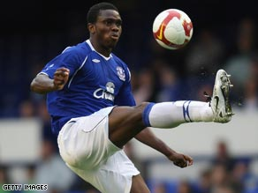Nigerian defender Yobo looks set to recover from a hamstring injury in time for Everton's FA Cup semifinal.