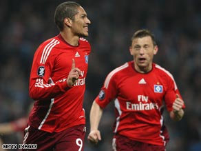 Paolo Guerrero (left) celebrates the goal that ensured Hamburg reached the semifinals of the UEFA Cup.