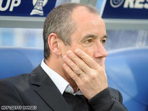 Le Guen's future was the subject of speculation following a weekend meeting with the PSG club president.