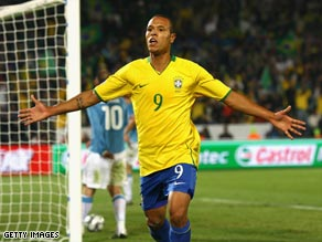 Luis Fabiano showed his goalscoring instinct with an excellent first half double.