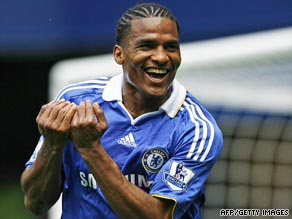 Malouda has signed a contract extension with Chelsea after impressing under Guus Hiddink last season.