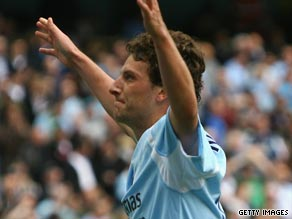 Elano was a huge fans' favorite at Manchester City before falling out of favor with manager Mark Hughes.