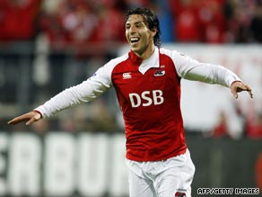 Mounir El Hamdaoui showed he will again be a key player for Alkmaar this season after being involved in both goals.