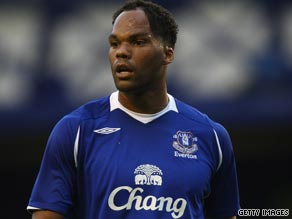 Manchester City are attempting to make Joleon Lescott their latest big-money signing this summer.