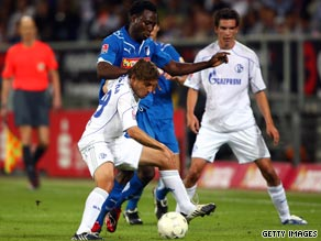 Neither side could find a way through as Hoffenheim and Schalke shared a goalless draw on Friday.