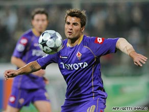 Adrian Mutu scored the equalizing goal for Fiorentina in their 1-1 draw at Bologna on Saturday.