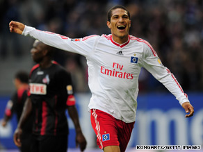 Paolo Guerrero celebrates after scoring his second goal for Hamburg in the win over Cologne.