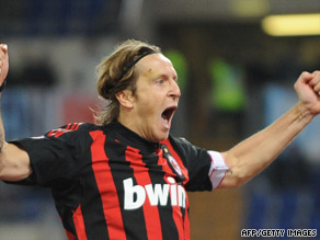 Ambrosini will remain with AC Milan until 2011 after signing a new one-year contract with the club.