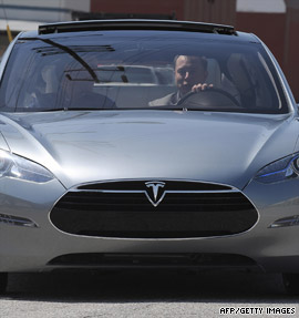 Feds lend Tesla $465 million to build electric car
