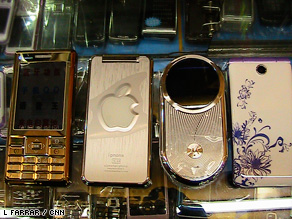 Phone clones: China's &quot;bandit&quot; mobile phone market is huge.