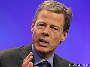 Jeffrey Bewkes, chairman and CEO of Time Warner, speaks at the NCTA conference in Washington.