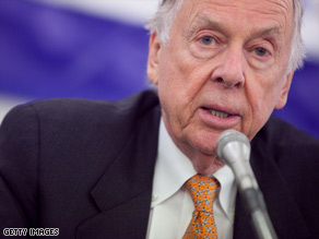T. Boone Pickens says the U.S. should create a federal loan program to finance wind projects, like his own.