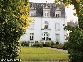 Surrounded By 10 Foot High Limestone Walls Le Clos D Amboise Offers