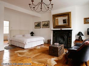 Main House guests stay in an 1840s Victorian terrace house in London's Notting Hill.