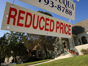 An index of home prices in 20 major metropolitan areas fell at a record annual pace in November of 2008, according to a recent report.