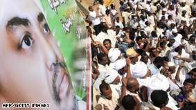 Defiant Sudanese president visits Darfur