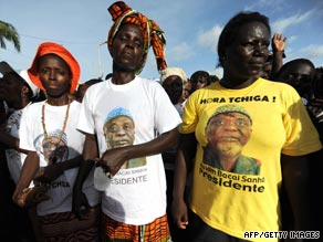 Supporters of former president and current candidate Malam Sanha rally in Bissau.