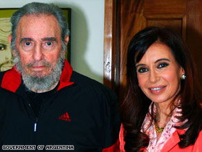 Argentine President Cristina Fernandez de Kirchner visited Fidel Castro this week in Cuba, a report says.