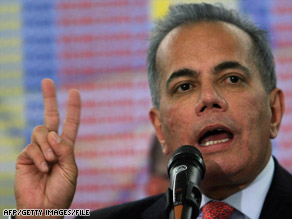 Manuel Rosales denies that he illegally enriched himself as governor of Zulia state.
