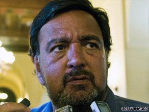 "New Mexico Gov. Bill Richardson calls for ""concrete steps"" to improve ties between the United States and Cuba."