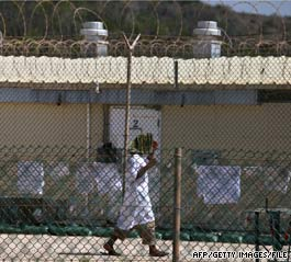 The U.S. military prison at Guantanamo in Cuba is unlikely to close by the Obama administration&#039;s deadline of January 2010, two senior administration officials say.