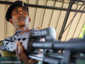The Sri Lankan army has relaunched its attacks on Tamil rebels in the country's north.