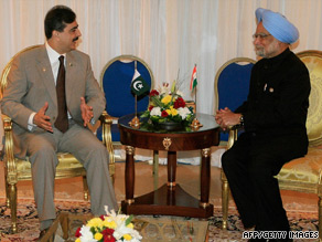 Yusuf Raza Gilani (left) with India's Manmohan Singh in Sharm El-Sheikh.