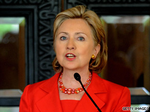 Secretary of State Hillary Clinton paid tribute to victims of last year's Mumbai attacks during her trip to India.