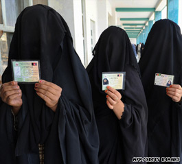 Afghans go to polls under threat of Taliban violence