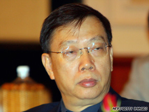 China's Deputy Health Minister Huang Jiefu, pictured, says only 10 people in China donated an organ this year.